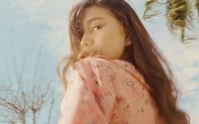 NIKI - Vintage (Official Music Video)